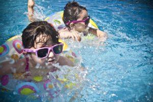 cloro y piscina